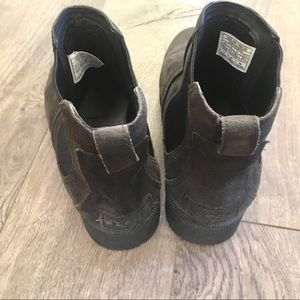 UGG Shoes - UGG Bonham II Suede Black Ankle Boot size 8.5